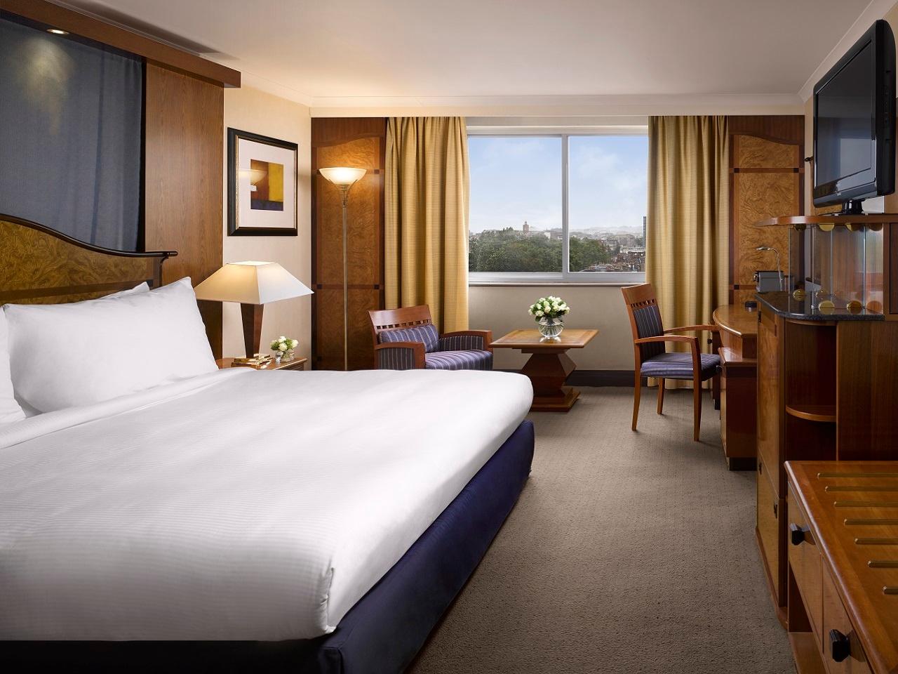 Radisson blu_rooms-5-business_1280x960